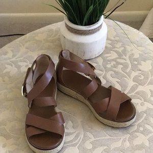 MK Darby Vaccheta Leather Sandals. 🌻🌼🌞